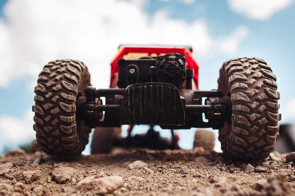 Best Outdoor Remote Control Cars for All Terrains 2019