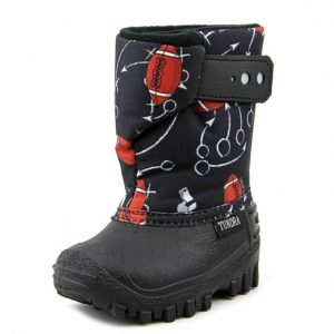 tundra teddy 4 youth us 11 black snow boot, black and red pattern, an outside look
